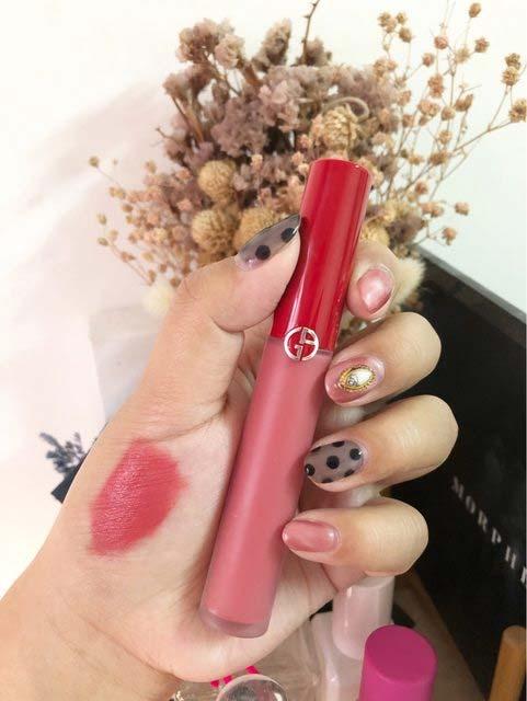 GIORGIO ARMANI阿玛尼红管唇釉410号试色,粉嫩的春天色